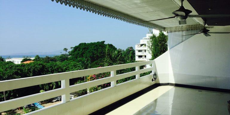 Balcony 04