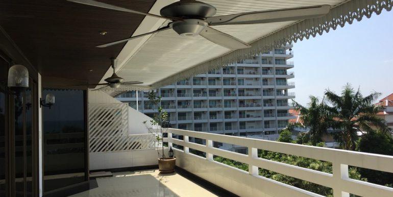 Balcony 06