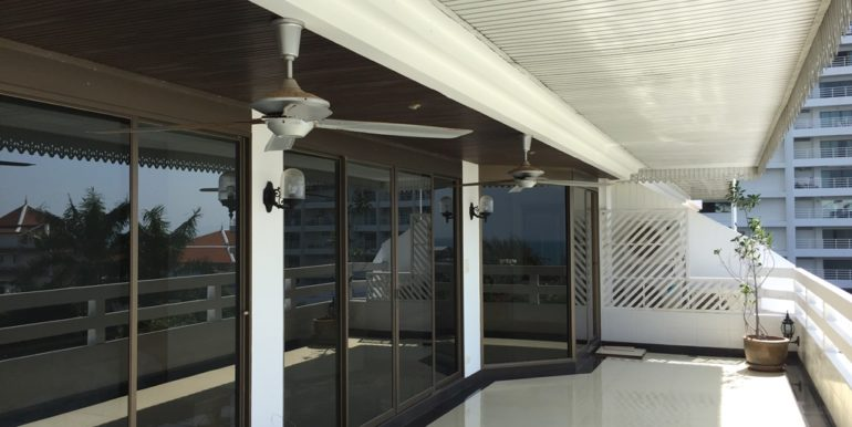 Balcony 07