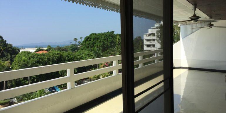 Balcony 13