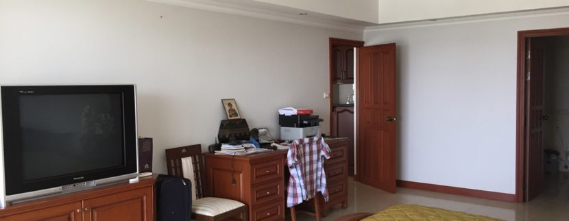 Master bedroom 12