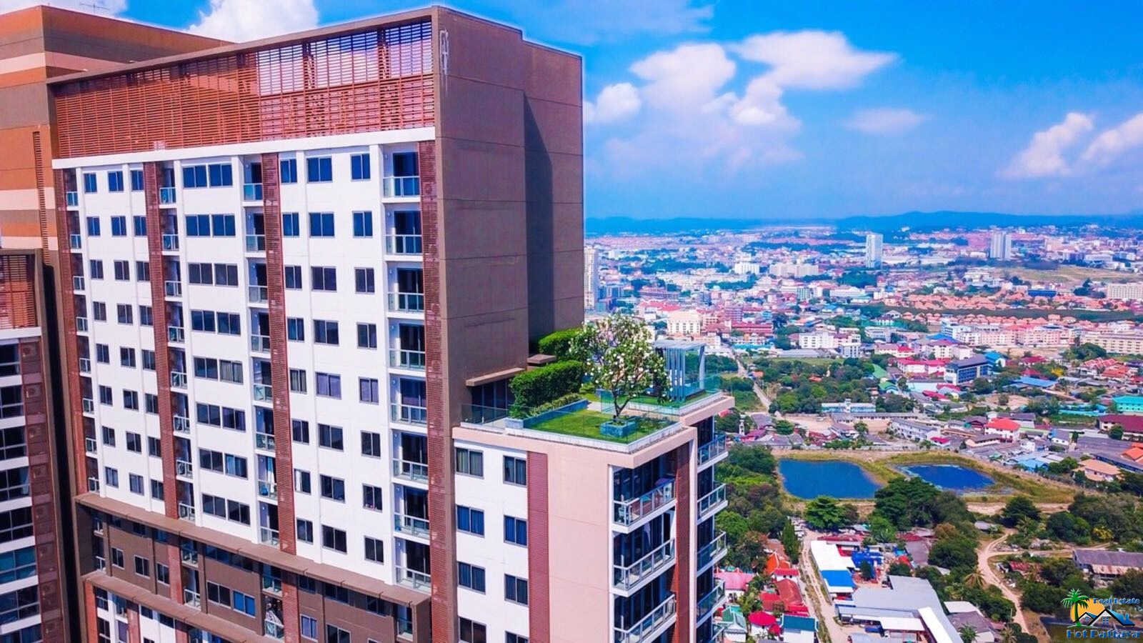 """Unixx"" South Pattaya condominium"